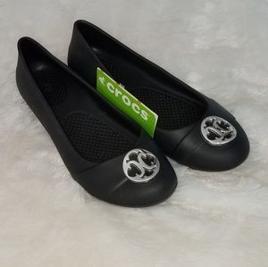 NWT Black Crocs   Size 7